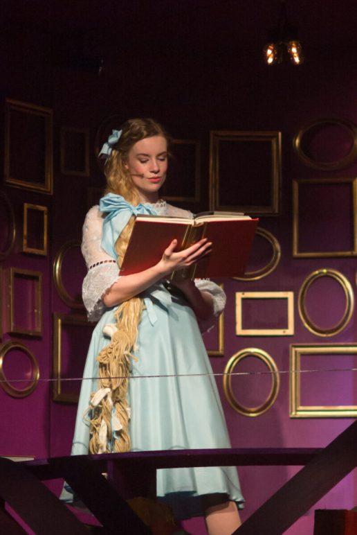 Rapunzel-Red-Rota-Dress-Rehearsal-18112017-33-e1618302483861