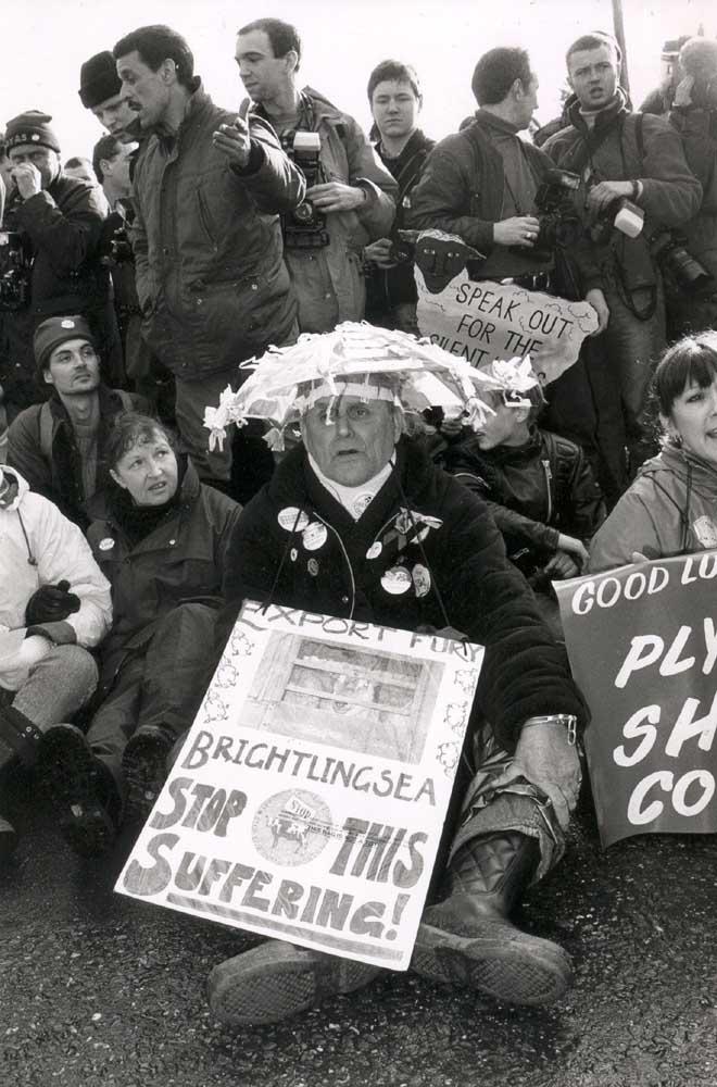 Brightlingsea_protests_1995