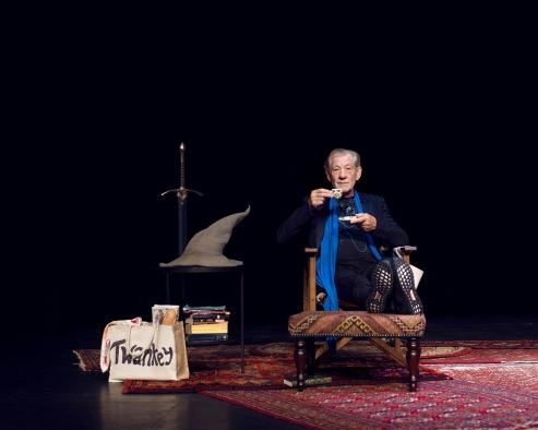 2-Ian-McKellen-On-Stage