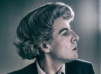 Mark-Farrelly-as-Quentin-Crisp-Naked-Hope-Streaming