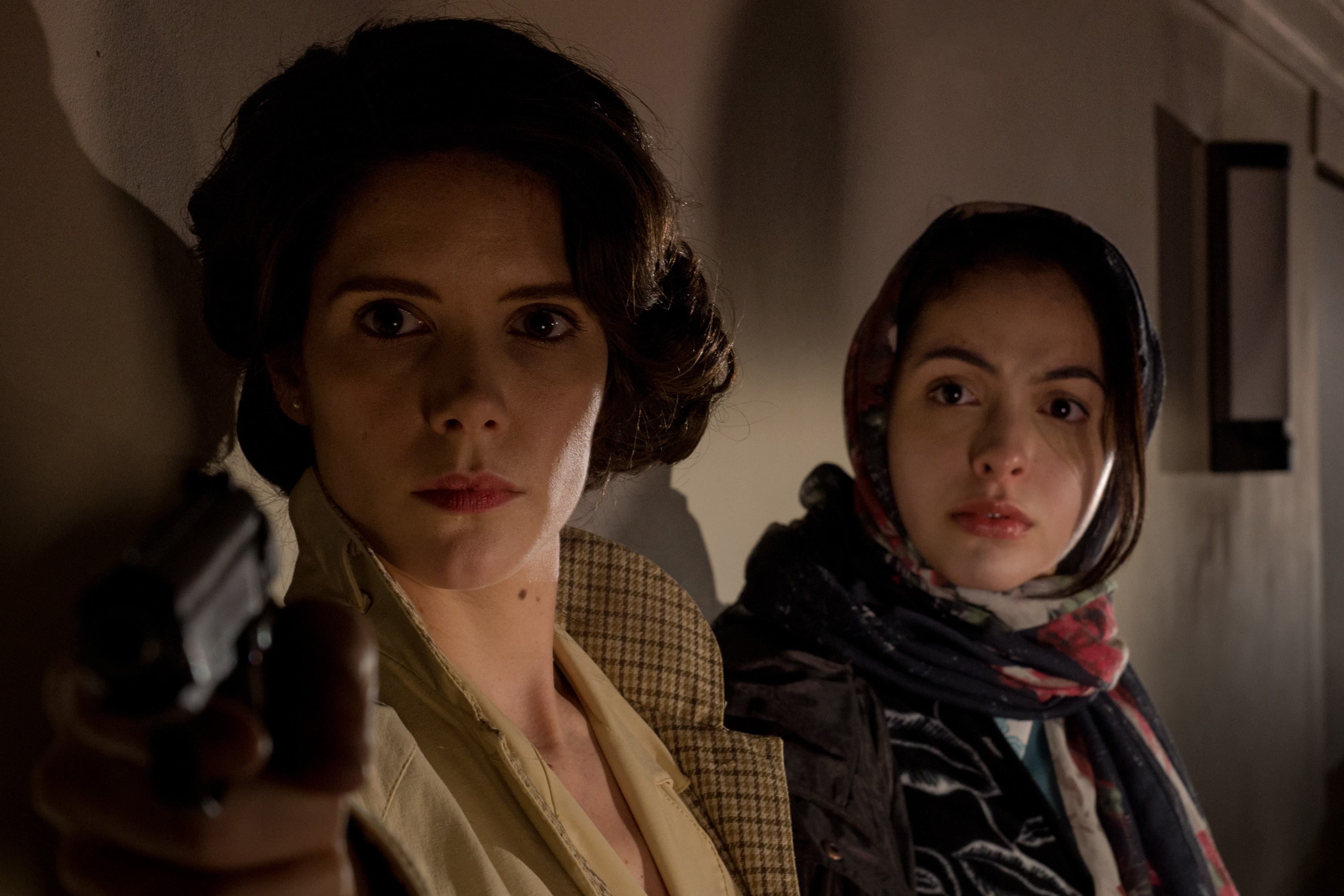 sonya-cassidy-as-elizseva-and-july-namir-as-liliane-on-set-of-astoria-crop